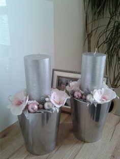 Luxusní+vánoční+svícen+s+orchidejí+Luxusní+vánoční+svícen+s+orchidejí.+Výška+28cm,délka+17cm,šířka+17cm.+Cena+je+za+1ks. Home Decor, Candles, Decoration Home, Room Decor, Home Interior Design, Home Decoration, Interior Design