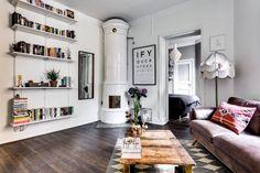 To małe mieszkanie mieści się w sercu miasta. Niewielka przestrzeń wymagała dobrego planu i rozsądnego gospodarowania przestrzenią. Zobaczcie, jak poradzono sobie z tym wyzwaniem!Najciekawszym punktem mieszkania jest zab