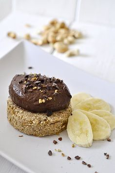 healthy chocOlate mousse on raw cashew-banana amaranth cookie