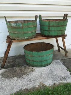 Primitive Antique rustic Wood Wash Tubs Old Green Paint these are always a fab way of adding that French country French farmhouse to your home. Primitive Homes, Primitive Antiques, Country Primitive, Primitive Decor, Primitive Furniture, Country Furniture, Colonial, Wash Tubs, Vintage Laundry