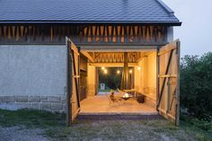 Salzburg, Arches, Videos, Gazebo, Barn, Outdoor Structures, Photo And Video, House Styles, Google Search