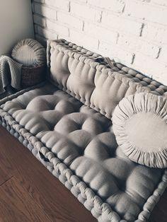 Floor Cushion Couch, Mattress Couch, Mattress On Floor, Floor Cushions, French Mattress Cushion Diy, Diy Cushion, Diy Couch, Couch Pillows, Throw Pillows