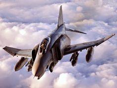 Aviones Caza y de Ataque: McDonnell Douglas F-4 Phantom II Papel         Interceptador, cazabombardero Origen nacional         Estados Unidos Fabricante              McDonnell Aircraft / McDonnell Douglas Primer vuelo       27 de mayo 1958 Introducción          30 de diciembre 1960 Generacion                   3º Retirado          1996 (Estados Unidos )                         2004 ( Fuerza Aérea de Israel )                          2013 ( fuerza aérea alemana )…