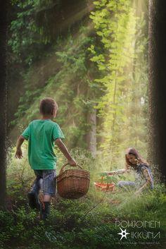 #forest #kids #mushrooms #sunrays #photographer #finland  Mainoskuvaus - Pohjoinen Ikkuna, Valokuvaaja Turku