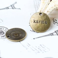 10 pcs18x18 mm alloy karma round words plate by blackbeanblackbean, $2.15