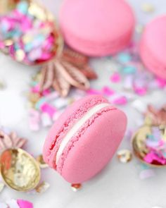 Le Petit Croissant Kid Dates, Happy Sunday Friends, Macarons, Sugar, Pretty, Beauty, Fairy, Cake, Food