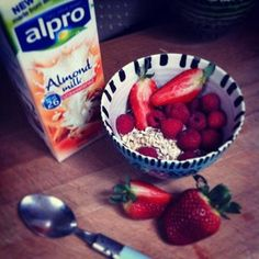 #deskfest muesli raspberries & strawberries. First time for almond milk omg delicious!  by @janebeecham