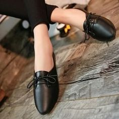 . Korean Ladies Simple Casual Classic Plain Black White Pointed Flat Covered Shoes Code :  WFSJT 18991 .  RM 25  . Size: 36 37 38 39 40 . . Postage  SM dan SS - RM 14 And sometimes there's additional charge according to size and weight . Description: -weight: 0.42kg -Upper Material: Synthetic -Sole Material: Rubber -Lining Material:Synthetic . WHATSAPP  01117770941 . #aksesori #gelangmurah #kasutmurah #borongmalaysia  #kasutmurahmalaysia #Gadgetmalaysiamurah #KoreanstyleMalaysia…