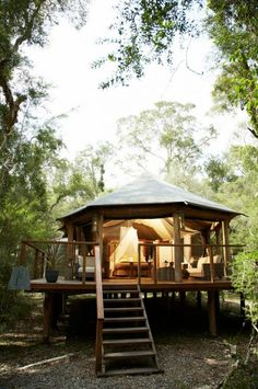 Paperbark Camp, Jervis Bay, NSW: Australia's glamping pioneer has a new king deluxe tent. Larger than its two-person . Yurt Living, Outdoor Living, Living Area, Cabin Tent, Camping Glamping, Camping Tips, Camping Cabins, Backpacking Meals, Kayak Camping