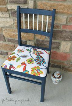cadeiras coloridas para a mesa de jantar | Espaço Casa