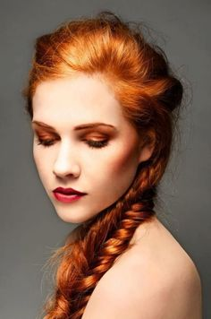cool Make up for women who have red hair: a practical guide and 15 photos for you! // #guide #Hair #Photos #practical #Women