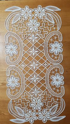 Image gallery – Page 549861435752528239 – Artofit Crochet Tablecloth, Crochet Doilies, Crochet Lace, Modern Embroidery, Lace Embroidery, Embroidery Designs, Machine Embroidery Patterns, Lace Patterns, Crochet Patterns