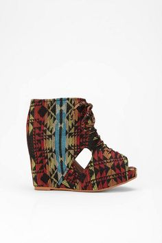 want want want! it is like the most wonderful pendleton jacket, but for my foot.