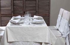 Tischwäsche aus feinster Baumwolle, gefertigt in Portugal nach Maß verwandeln jeden Tisch zu einem besonderen Anlass - Tischwäsche von Daunenspiel Hotels, Dining Table, Portugal, Furniture, Home Decor, Cottage House, Luxury, Cotton, Homemade Home Decor
