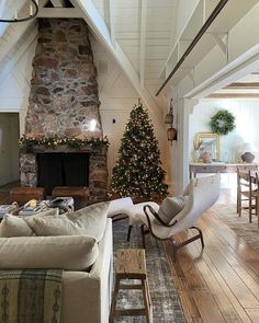 Seasonal Decor, Holiday Decor, Weekend House, Amber Interiors, Interior Decorating, Interior Design, Christmas Home, Christmas Feeling, Christmas 2019