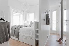 Kaunis vaatehuone makuuhuoneen yhteydessä