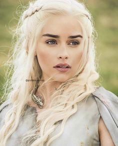 Danyeres Targaryen, Game Of Thrones 4, Emilia Clarke Daenerys Targaryen, Portraits, Comic Movies, Mother Of Dragons, Khaleesi, Celebs, Celebrities