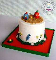 Here are some Top Farm Animal Cakes to get you ready for deep-fried food, carnival. Farm Animal Cakes, Farm Animals, Chicken Cake, Masquerade Theme, Cute Chickens, Party Invitations Kids, Custom Cakes, Themed Cakes, Cake Decorating