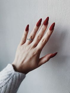 Trendy nail polish colors e. The year 2019 - Trendy nail polish colors e. The year 2019 # nail polish colors - Red Acrylic Nails, Matte Nails, Pink Nails, My Nails, Acrylic Art, Matte Almond Nails, Almond Nail Art, Fall Nails, Stylish Nails