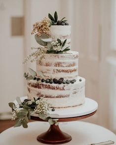 wedding cakes nakedcake LOCAL INSPIRATION fayecahillcakedesign Just lovely! I love the earthiness. Perfect Wedding, Fall Wedding, Our Wedding, Dream Wedding, Wedding Cake Rustic, Wedding Cakes, Wedding Cake White, Rustic Cake, Wedding Table