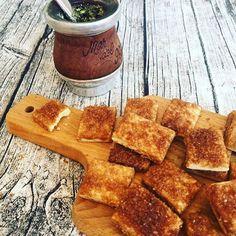 Receta para hacer estos Bizcochitos de grasa Agridulces | RecetasArgentinas.net Argentina Food, Argentina Recipes, Scones, Waffles, French Toast, Muffin, Bread, Meals, Breakfast
