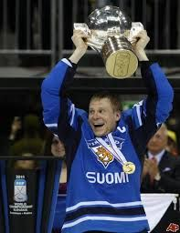 Mikko Koivu, team captain and gold medalist in ice hockey. IIHF World Championships Mikko Koivu – Captain of the team, m, 92 kg, born March plays for Minnesota Wild in NHL Ice Hockey Teams, Hockey Players, Wild North, Hockey Boards, Minnesota Wild, World Championship, Finland, Nhl, Plays