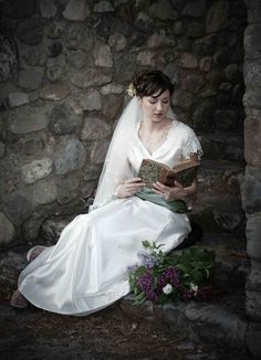 Love the beauty of the location as well as the bride.  Adding her favorite book was a nice touch as well.