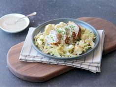Recipe for a Creamy Chive Pork Fillet served with buttery cabbage & cauliflower Ingredients pork fillet cream 1 tbsp wholegrain mustard chives – slice very finely […] Healthy Family Meals, Healthy Snacks, Balsamic Mushrooms, Dinner Box, Pork Fillet, Lentil Curry, Chicken Spices, Recipe For 4, Tray Bakes
