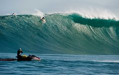 grant-twiggy-baker-about-to-tame-the-beast-dungeons-cape-town-south-africa-photo-kimi-stewar-billabong-xxl.jpg 520×328 pixels