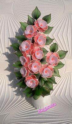 Felt Flower Wreaths, Felt Flowers, Diy Flowers, Beaded Flowers, Flower Decorations, Fabric Flowers, Nylon Flowers, Large Paper Flowers, Plastic Flowers