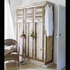 ChiPPy White Vintage Lockers
