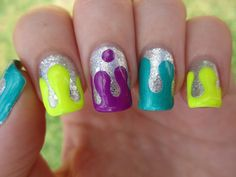 Drip Paint nail art
