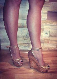 Kup mój przedmiot na #vintedpl http://www.vinted.pl/damskie-obuwie/platformy/16279946-zjawiskowe-zlote-koturny-r-38