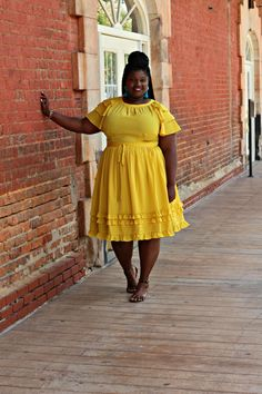 Over the weekend I had the pleasure of attending the TCF Style Expo in Atlanta, Georgia. The Expo is the creation of Marie Denee from The Curvy Fashionista. Curvy Girl Fashion, Modest Fashion, Plus Size Fashion, Fashion Black, Big Size Dress, Plus Size Dresses, Plus Size Outfits, Jeans For Big Thighs, Big And Tall Stores