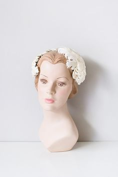 a18a012f001 Feminine   Romantic Style Inspired By Vintage Clothing. Bridal  FascinatorHeadpiece1950s HatsVintage ...