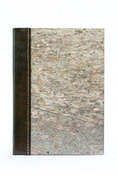 Guarda questo articolo nel mio negozio Etsy https://www.etsy.com/it/listing/211983662/quadernino-in-cuoio-e-pietra