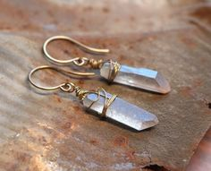 Your place to buy and sell all things handmade Gypsy Jewelry, Cute Jewelry, Jewelry Accessories, Jewelry Design, Blue Earrings, Diy Earrings, Crystal Earrings, Raw Gemstone Jewelry, Raw Crystal Jewelry
