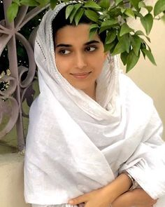 Katrina Kaif Images, Nimrat Khaira, Ammy Virk, Punjabi Actress, Yellow Suit, Beautiful Girl Photo, Fashion History, Baby Pictures, Indian Outfits