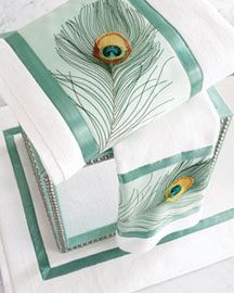 Like this idea - take regular white towels and sew on ribbon/centerpiece material for customization Peacock Decor, Peacock Bird, Peacock Theme, Peacock Feathers, Bath Accessories, Home Decor Accessories, Peacock Bathroom, Peacock Bedding, Houses