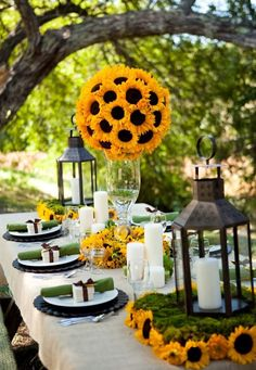 Orange and red are fab fall colours...But don't forget about yellow. Absolutely loving this Sunflower patio theme!