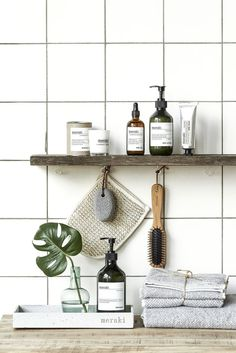 How to display your bathroom products