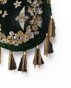 Image 4 of ROUND VELVET HANDBAG from Zara