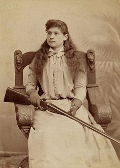 Annie Oakley in Columbus, Ohio, 1893, wearing a new dress she sewed of peau de soir. Photo courtesy The Annie Oakley Foundation