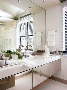elegant interior design for bathroom