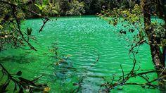 https://www.destinationtips.com/destinations/asia/19-world-hiking-trails-indonesia-amazing-views/18/
