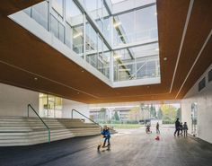 Gallery of Primary School Gartenhof / BUR Architekten - 27