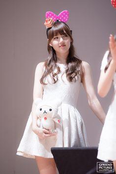 Cloud Dancer, Ultra Violet, Pinup, Flower Girl Dresses, Kpop, Wedding Dresses, Pretty, Color, Fashion