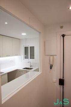 Recibidor con vistas a la cocina. Alcove, Living Spaces, Bathtub, Bathroom, Hall, Cooking, Standing Bath, Bath Room, Bath Tub