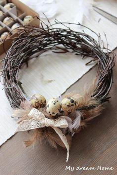 Wianek z gałązek brzozy Grapevine Wreath, Grape Vines, Wreaths, Diy, Decor, Decoration, Door Wreaths, Bricolage, Vineyard Vines
