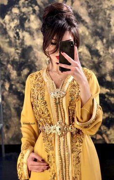 20 Ideas for dress hijab soiree haute couture Morrocan Fashion, Oriental Fashion, Moroccan Bride, Moroccan Caftan, Hijab Evening Dress, Hijab Dress, Kebaya Dress, Caftan Dress, Simple Dresses